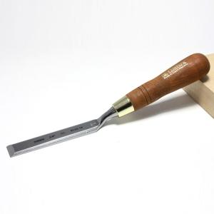 Стамеска плоская изогнутая Narex с ручкой Wood Line Plus 19 мм